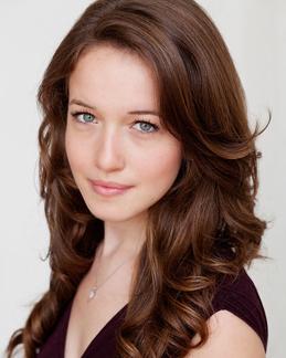 Mezzo-soprano Kelsey Roberston