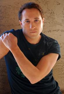 Singer Michael Raven