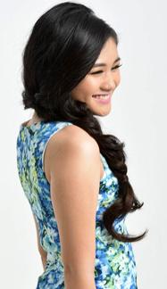 Singer Tabita Roselin